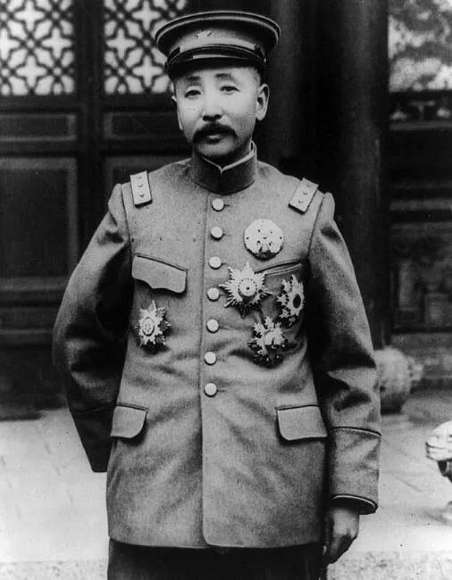 上图_ 张作霖(1875年-1928年),字雨亭,奉天省海城县北小洼村人
