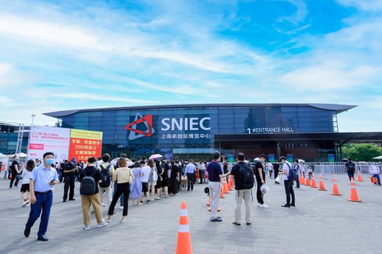 卡多希亮相上海国际网红品牌博览会,新科技助力直播产业腾飞