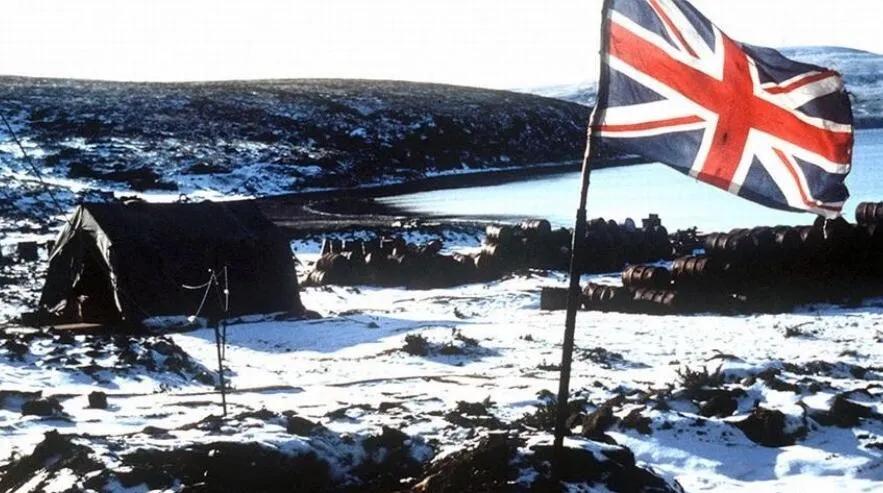 上图_ 重新占领马岛的英军