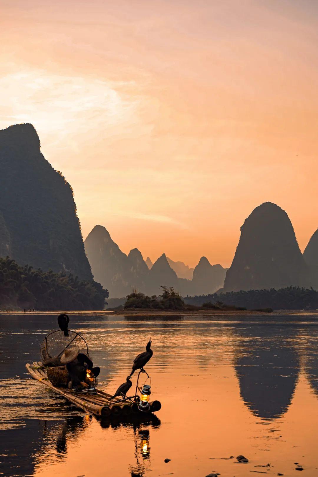 """▲ """"20元背面""""的桂林山水。图/视觉中国"""