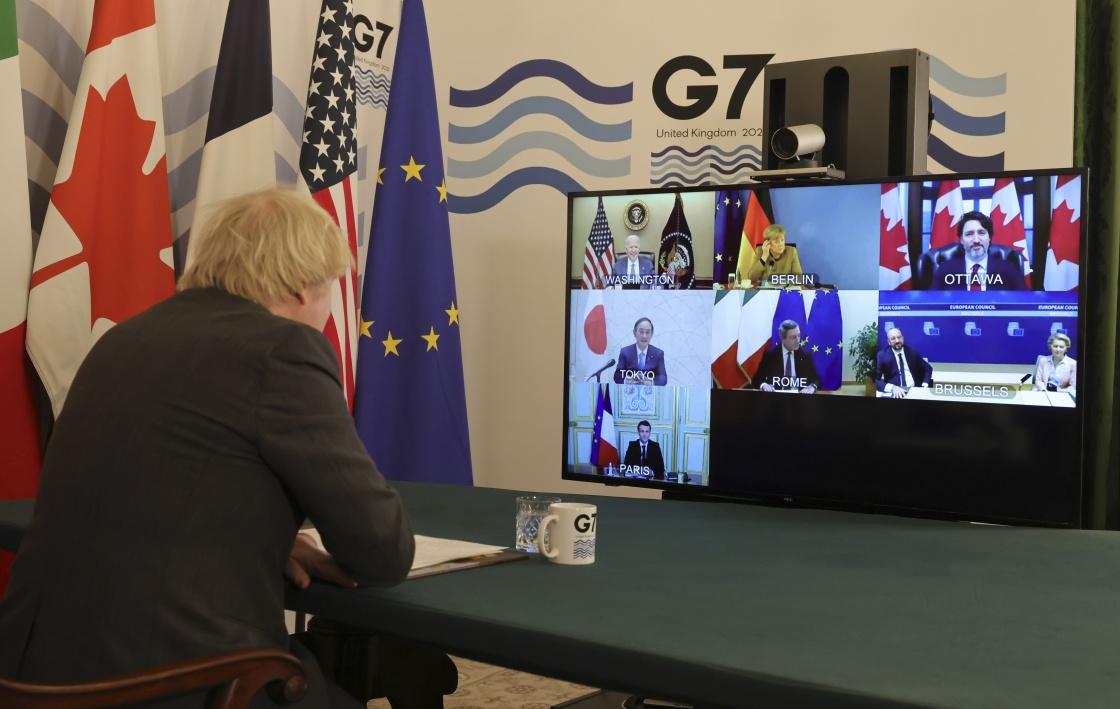 2月19日,在英国伦敦,英国首相约翰逊主持七国集团领导人视频会议。新华社 图
