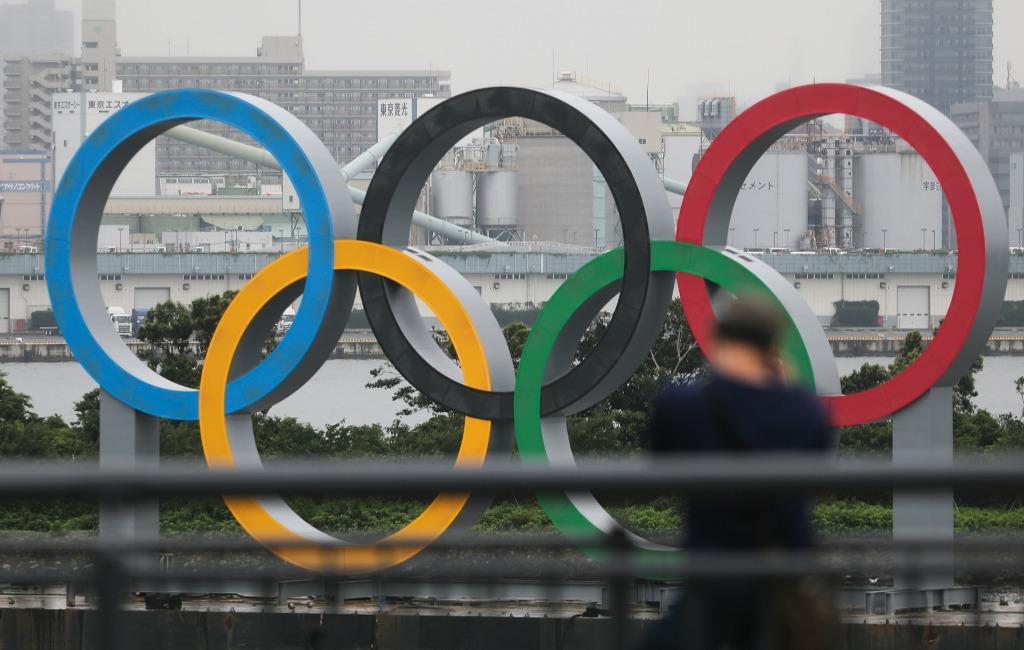 竖立在东京台场区域的奥运五环标志(新华社记者杜潇逸 2020年7月17日摄)