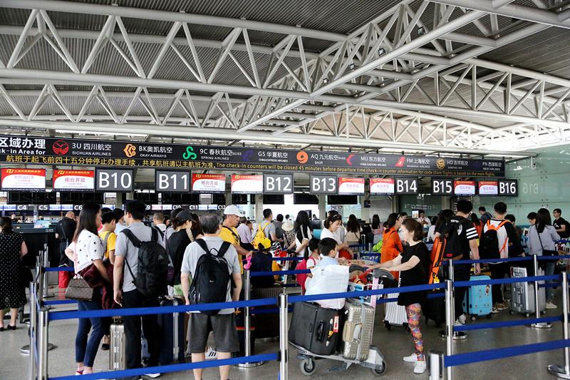 """兑换机票数量不透明、投诉难,航空公司""""周末随心飞""""被指""""很闹心"""""""