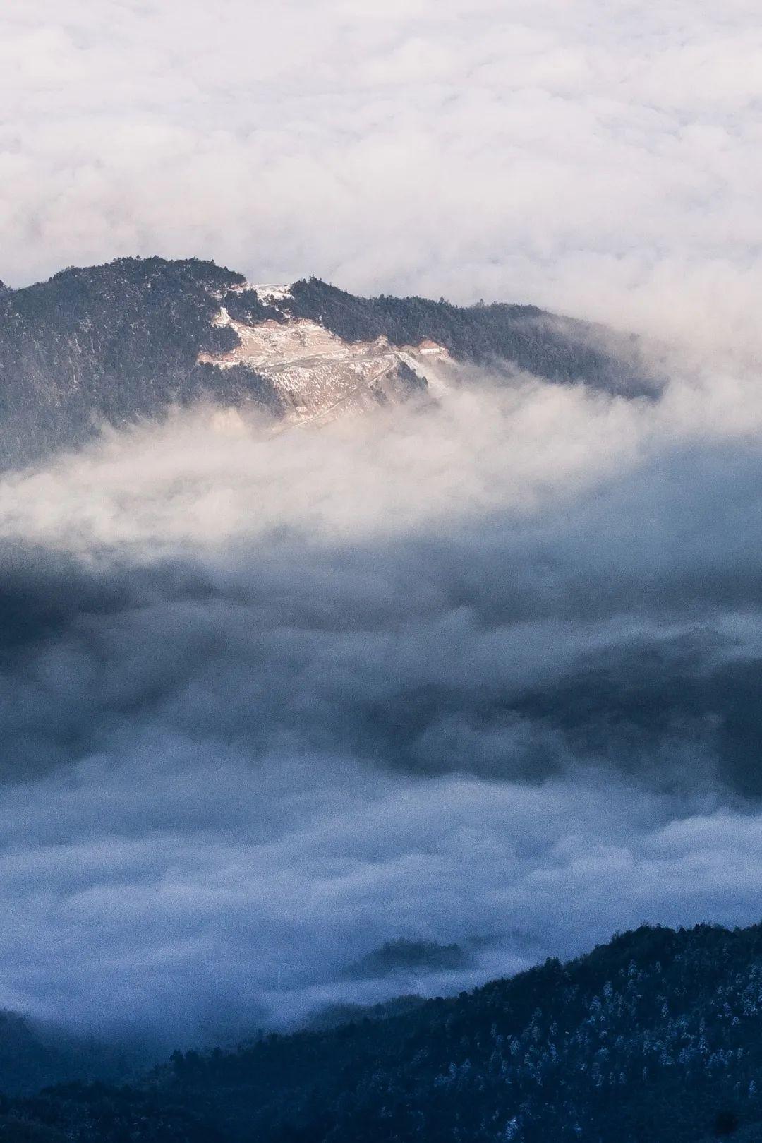 """▲ 猫儿山,为越城岭第一高峰,很有可能《山海经》中的""""第一山""""――古招摇山。摄影/壹米网线"""
