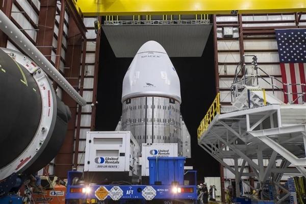 全新火箭、全新飞船!SpaceX 2021年的第一次
