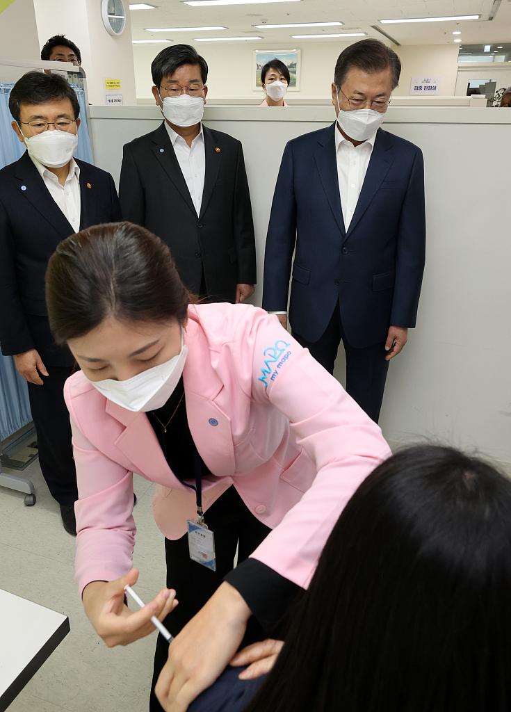 韩国政府:打新冠疫苗进ICU 最多补偿5.7万人民币