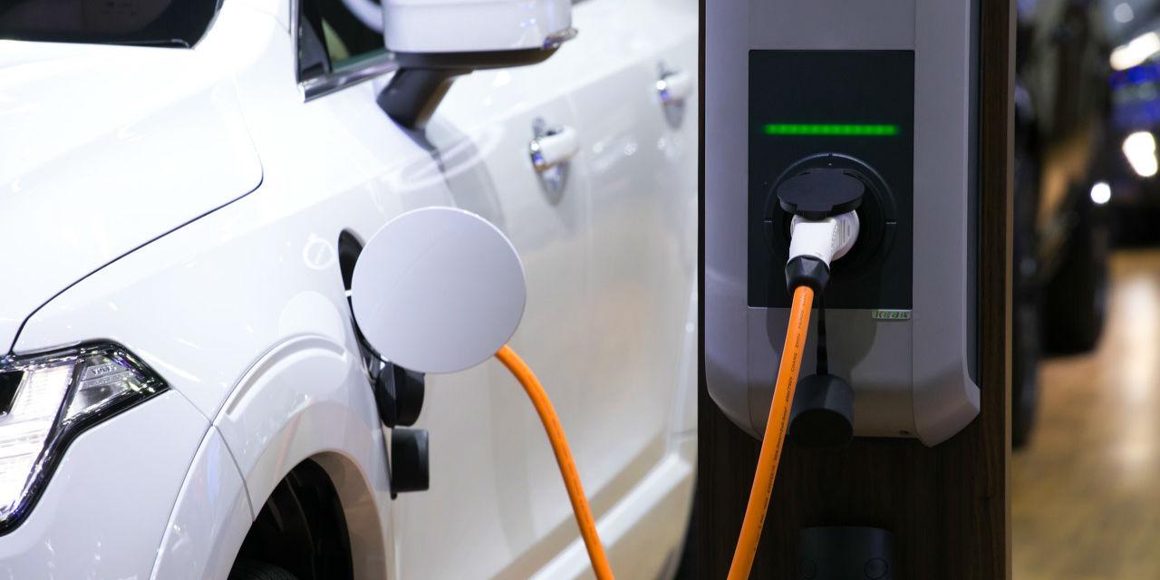百度新能源行业洞察报告:限购级特大城市对新能源汽车需求最旺盛