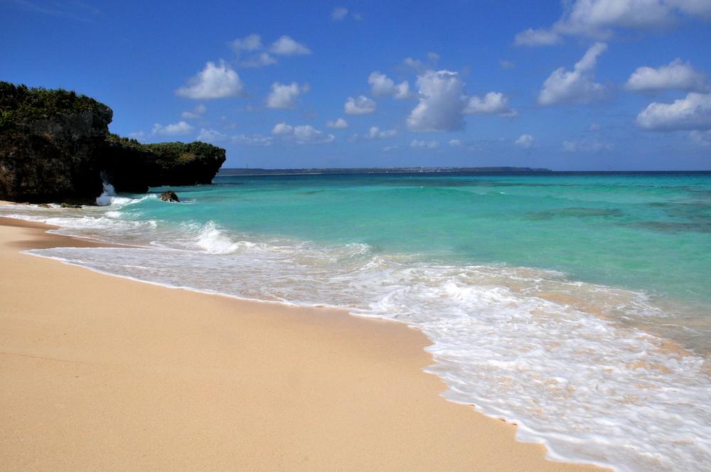 日本冲绳宫古岛,美丽的海水和沙滩。