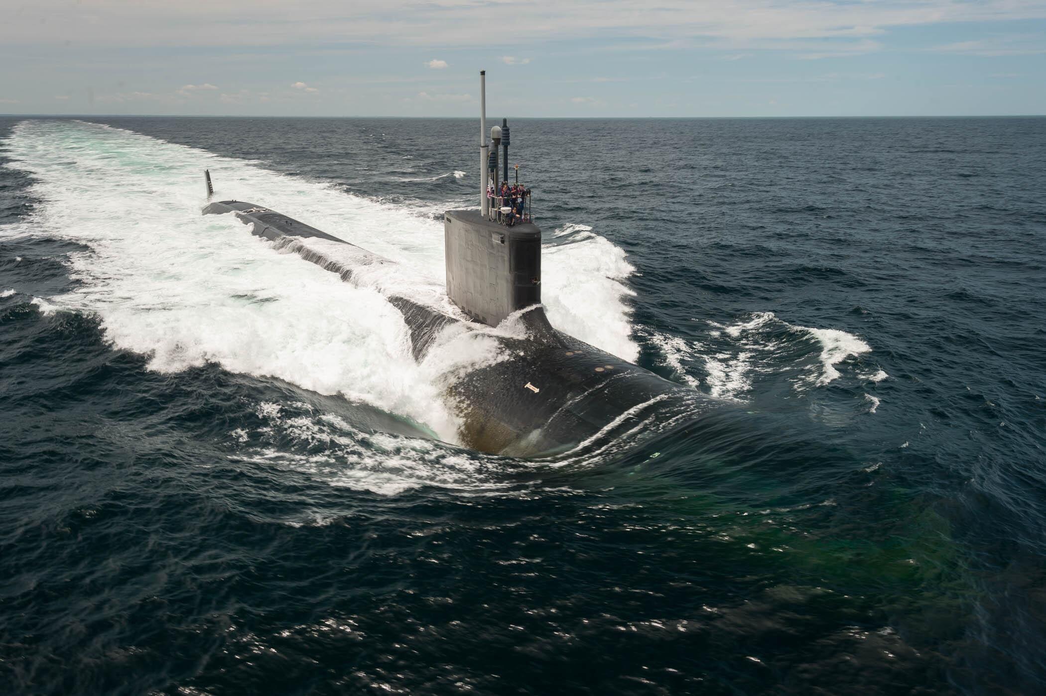 """美国海军""""约翰·华纳""""号潜艇"""