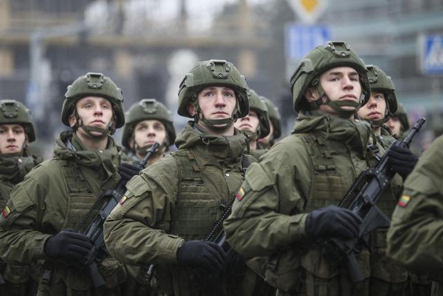 图为立陶宛军队