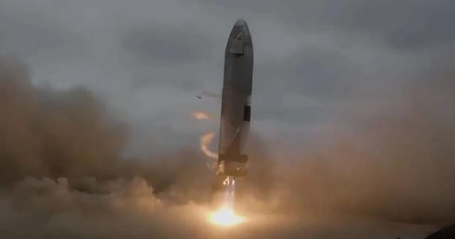 代号为SN15的星舰飞船测试机着陆成功