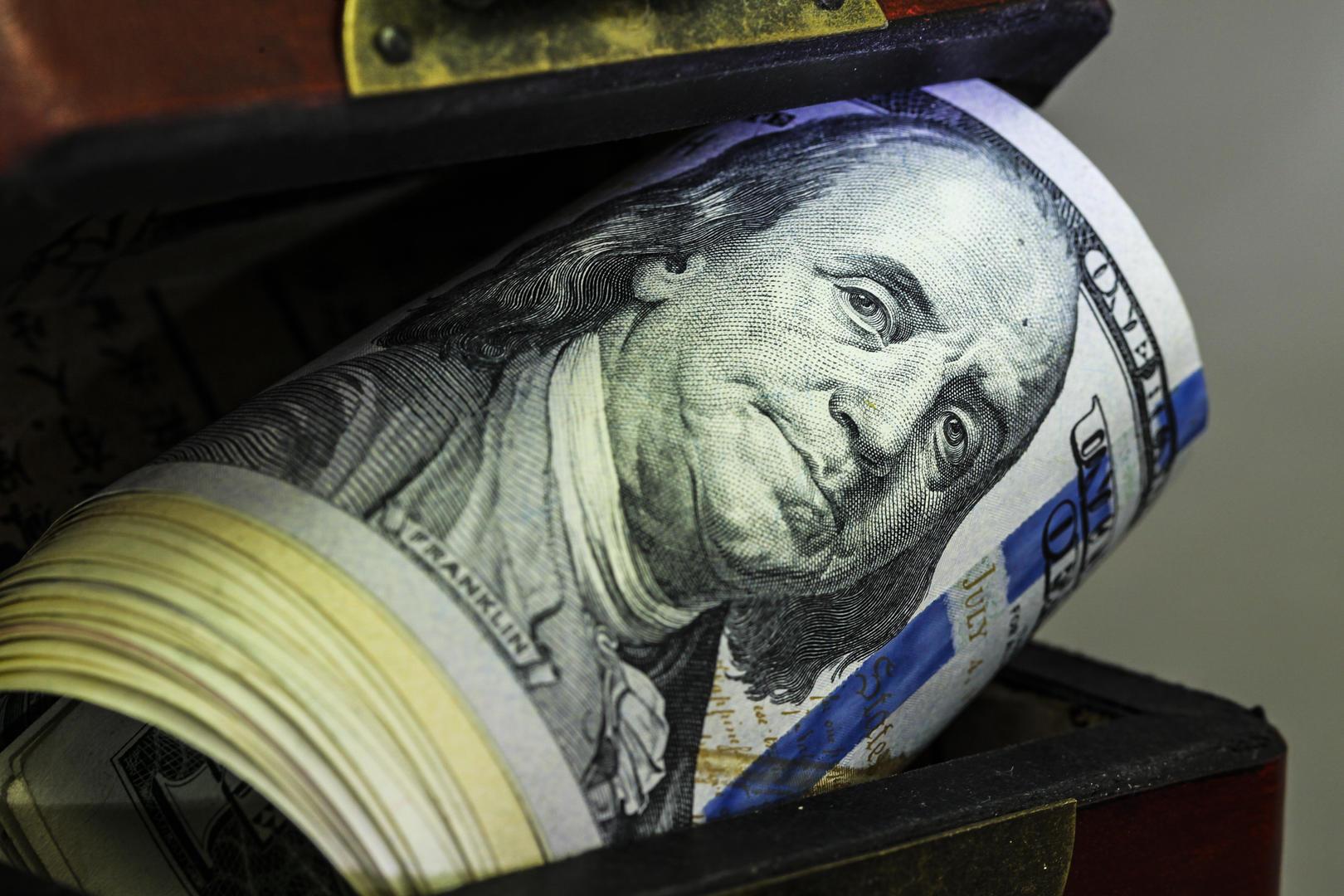 ↑资料图。美国国会预算办公室预计,美国财政部持有的现金和非常规措施可支撑政府运营至10月初。图源:视觉中国
