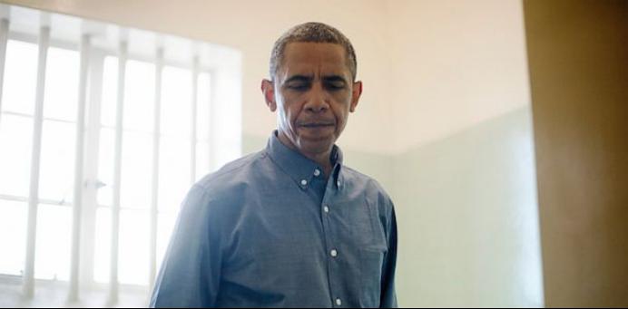 奥巴马拜访曼德拉曾经居住的狱间
