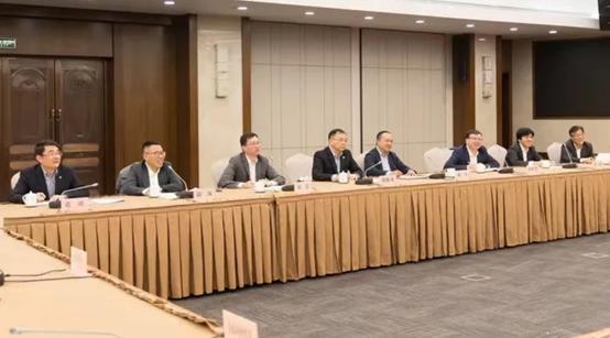 受邀参加上海市长会见,依图科技将发挥人工智能算力力量助力城市数字化转型