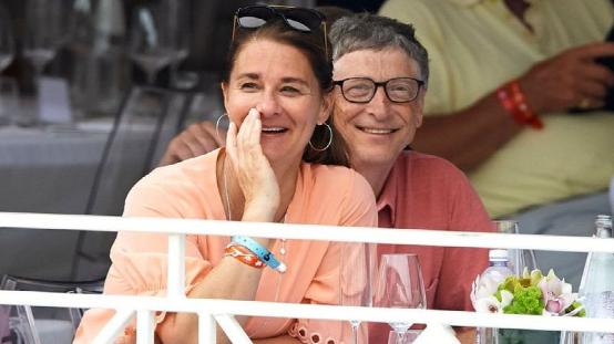 (图说:盖茨夫妇2017年共同出席活动。)