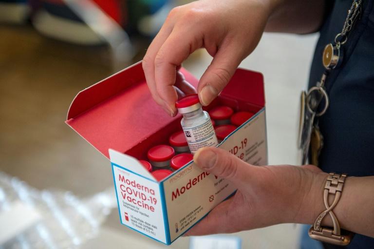 美国大学生去逛超市,却意外接种了新冠疫苗