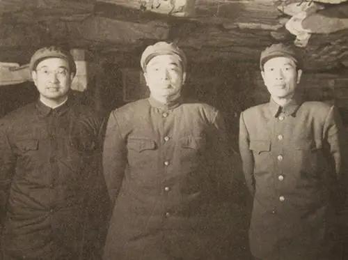 陈赓与彭总在朝鲜