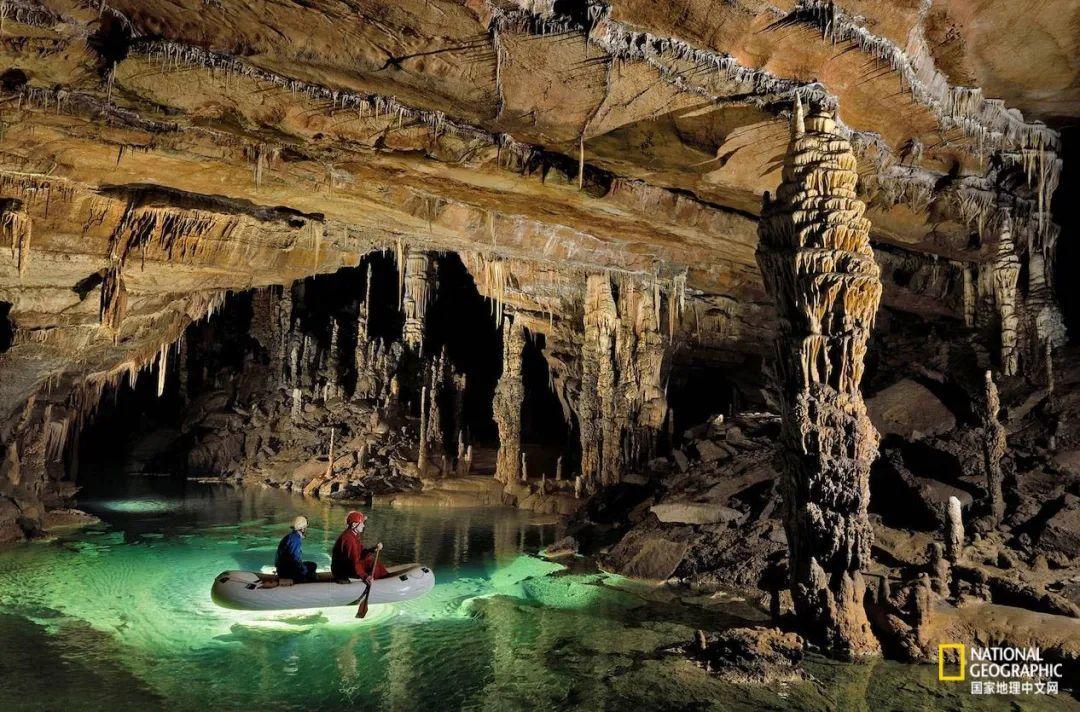 斯洛文尼亚十字洞穴 摄影:ROBBIE SHONE