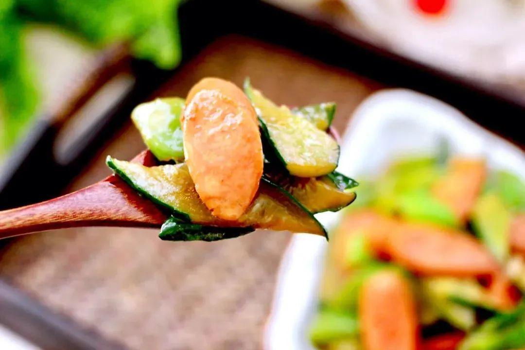 黄瓜炒火腿肠 | 豆果美食@月色家的小厨房