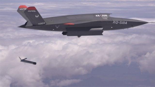 """XQ-58A""""女武神""""投放ALTIUS-600小型化无人机测试画面"""