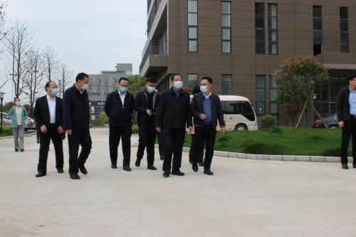 第十二届全国政协副主席刘晓峰考察新海思科技产业园