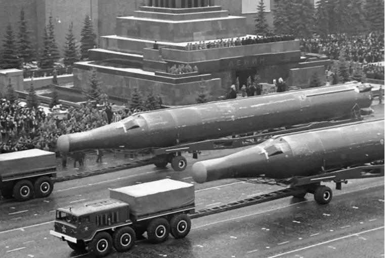 上图_ 苏军R36洲际导弹