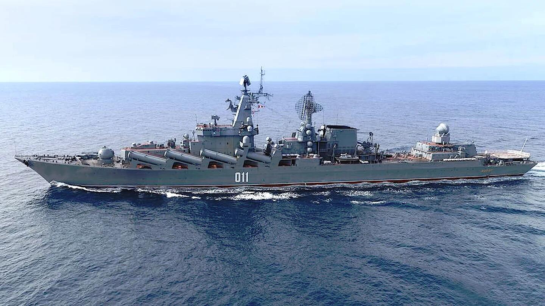 """在太平洋开展远海演习的俄罗斯海军""""瓦良格""""号巡洋舰"""