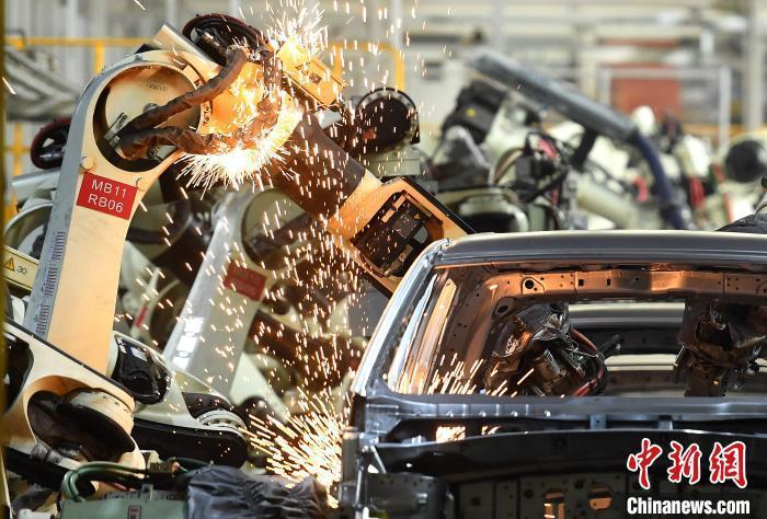 资料图:一自动化汽车生产线。陈超 摄