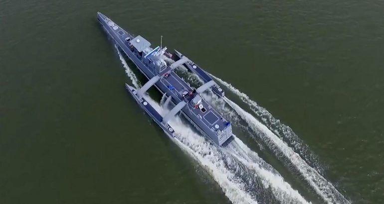 """美国海军""""海上猎人""""无人水面作战舰艇"""