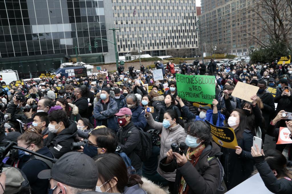 纽约民众举行反仇恨亚裔抗议活动。
