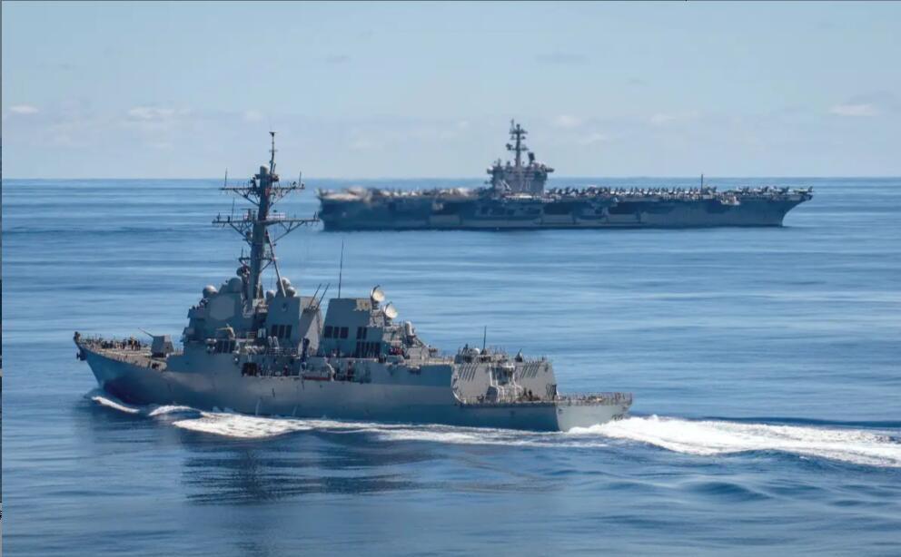 """俄军演习期间美国海军""""卡尔·文森""""号航母也抵达夏威夷海域"""