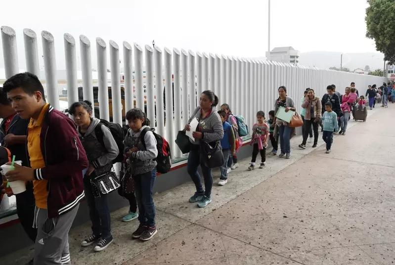 【千氪】_拜登上任首日将推动移民改革:为1100万无证移民提供合法身份