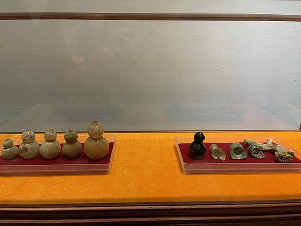 佛塔中的琉璃瓶及舍利
