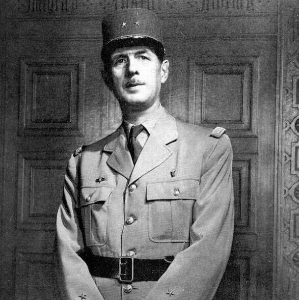 上图_ 夏尔·安德烈·约瑟夫·马里·戴高乐(1890年11月-1970年11月),法兰西第五共和国的创建者