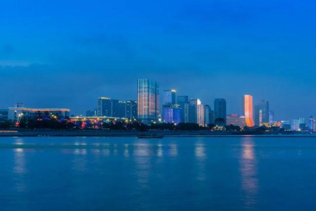 青岛gdp及增速_山东2021上半年城市GDP出炉:青岛力压群雄,烟台增速垫底