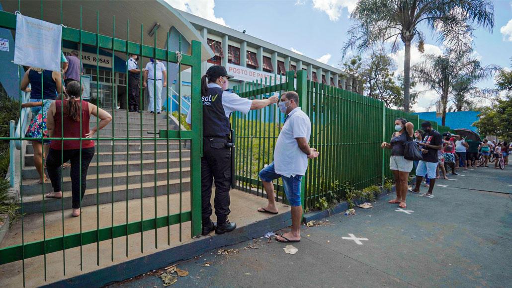 巴西小镇的科兴疫苗试验:生活已渐返正常
