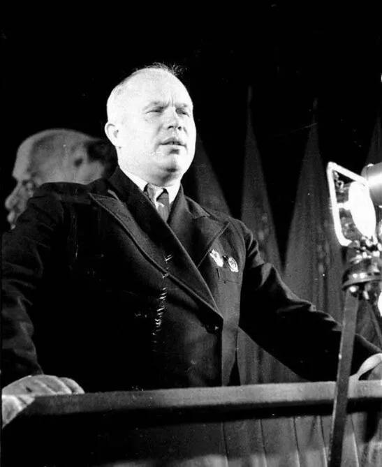 上图_ 尼基塔·谢尔盖耶维奇·赫鲁晓夫(1894年4月17日-1971年9月11日),苏联党和国家最高领导人