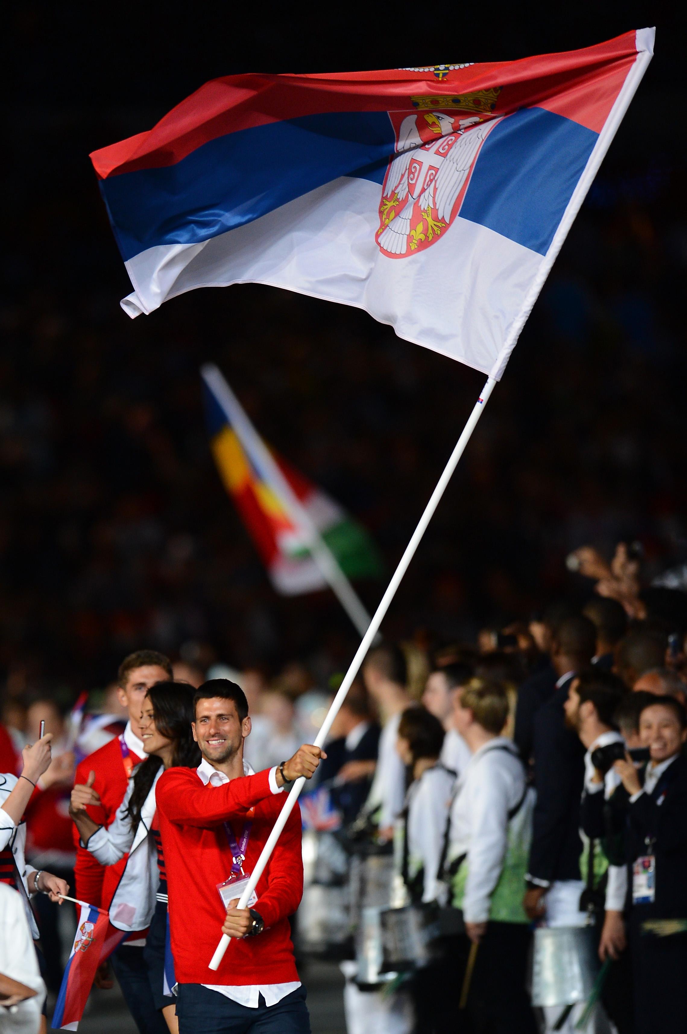 2012年伦敦奥运会,德约科维奇担任塞尔维亚旗手。