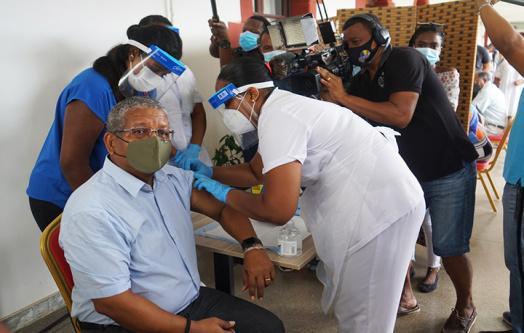 拉姆卡拉旺1月10日接种中国国药疫苗,图自塞舌尔政府网站