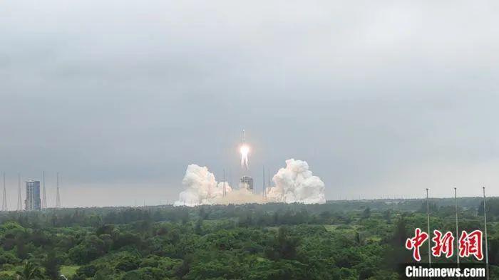 """""""天和""""核心舱升空!中国载人航天进入最后一步"""