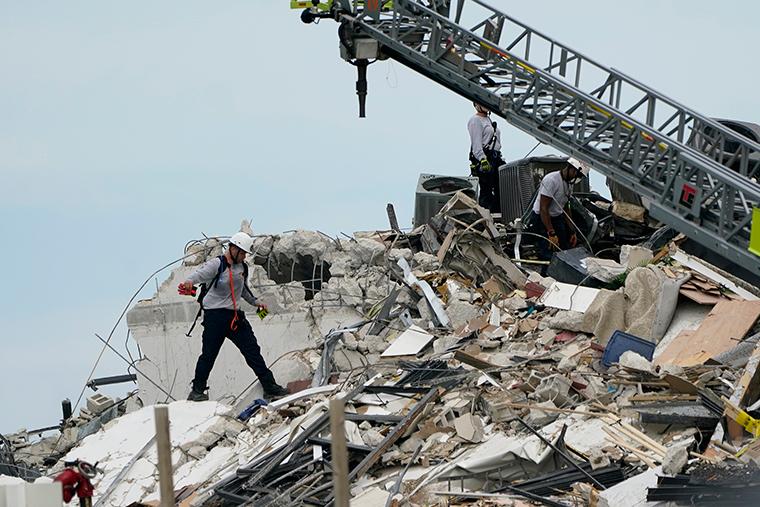 美國一樓房倒塌至少99人失聯:1990年后以每年2毫米速度下沉