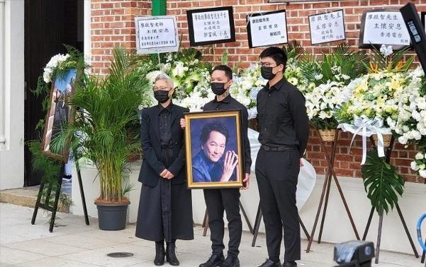 31岁港星抗癌9年终去世 马浚伟憔悴现身丧礼