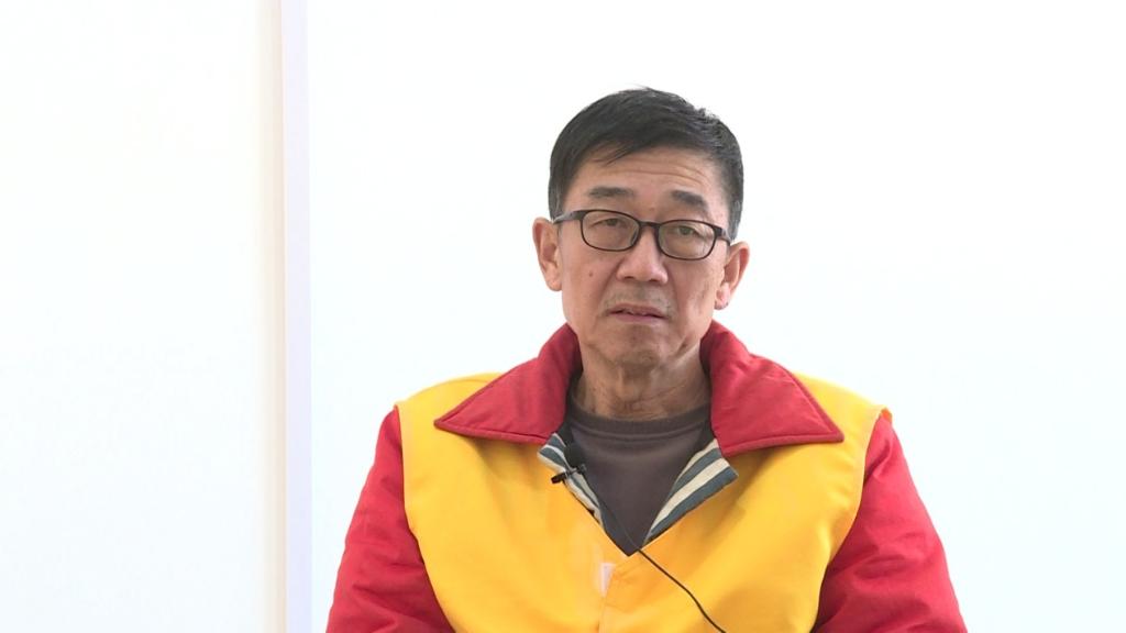 内蒙古自然资源厅原副厅长王杰因煤落马,在看守所中接受采访(4月13日摄)。新华社记者 侯维轶 摄