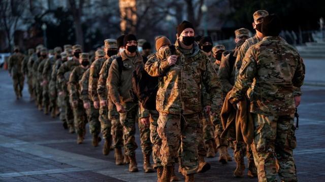 1月12日抵达华盛顿特区的美国民警卫队 图源:路透社
