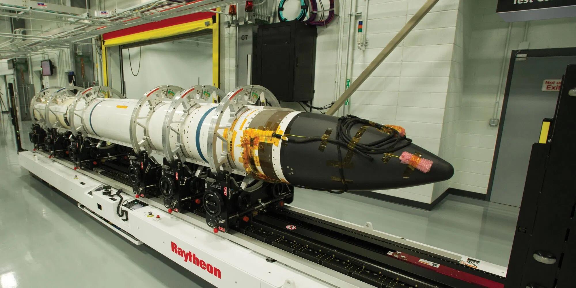 """美国研制的""""标准-3""""导弹"""