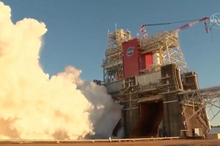 美国点火地球史上最猛火箭:失败了
