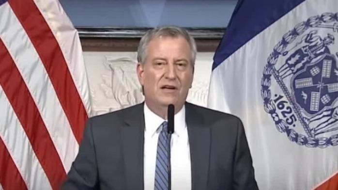 """纽约成美国疫情""""震中"""" 市长警告:超400万人将感染"""