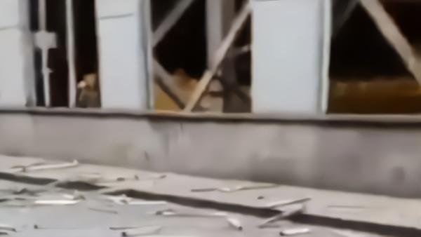太原重工一车间发生爆炸1死6伤 满地都是震碎的玻璃