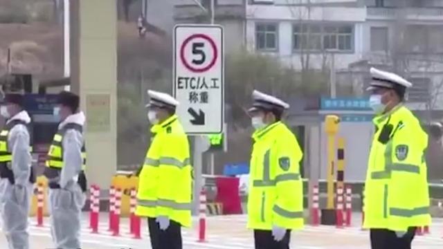 首批山东援助黄冈医疗队奋战31天后开始轮休 当地最高规格接待