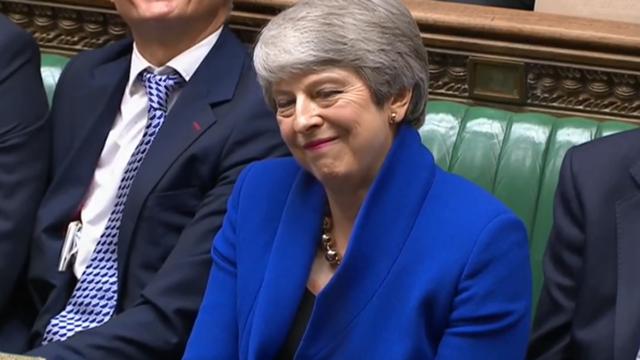 梅姨最后一次首相质询给了新首相一个建议 全场爆笑